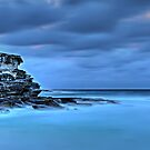 Tamarama Cliffs by bazcelt