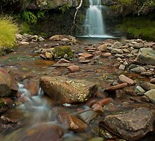 Talybont-on-Usk Waterfall by aledwards