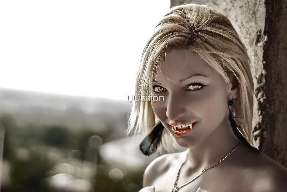 Vampire Smile by lyusifon