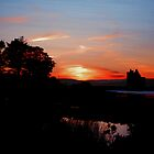 Lochranza Castle sunset by micscottjr