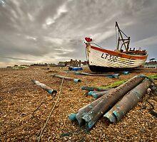 LT336 on Aldeburgh beach by Geoff Carpenter