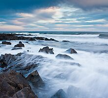 Rocks awash by fotosic