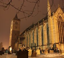 Dunblane Cathedral in the snow. by Chippe