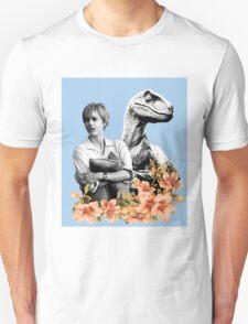 Amanda // Raptor - Woman Inherits The Earth T-Shirt