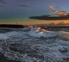 Rough Surf Kingscliff by Ron Finkel