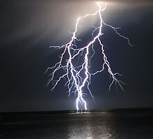 Lightning over water by robynbrody