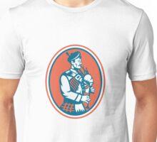 Scotsman Scottish Bagpipes Retro Unisex T-Shirt