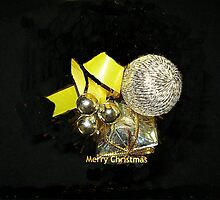 Bauble for Christmas Wrap by EdsMum