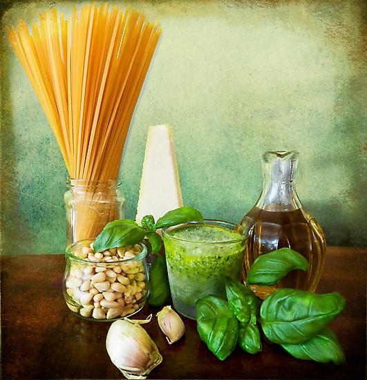 Italian recipe: noodles with pesto (basil,parmisan,garlic,olive oil,pine nuts) by Luisa Fumi