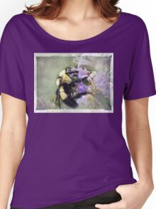 Bumble Bee Beauty Women's Relaxed Fit T-Shirt