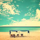 Retro beach and tent by Andreka