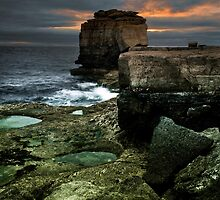 Pulpit Rock, Portland by bethadin