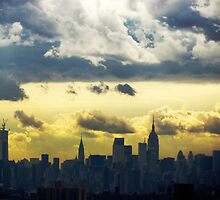 New York City by Alberto  DeJesus