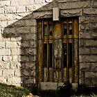 La porte by Richard Fortier
