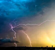 Lightning storm over Sydney city, Australia by Sharpeyeimages