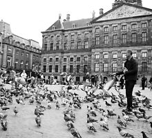 Pigeon whisperer by steppeland