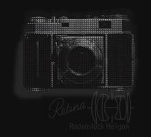 35 Cameras - Retina Rodenstock Heligon f/2.0 Kids Tee