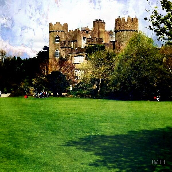 Malahide Castle by JM13