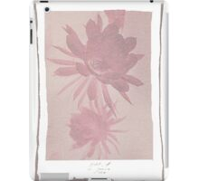 12th Doctor Negative Flower T-Shirt iPad Case/Skin