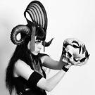 Skull horns by PorcelainPoet