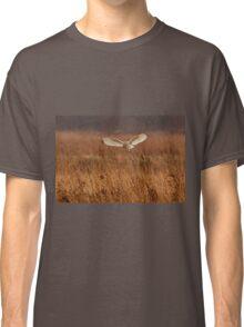 Barn owl hunting Classic T-Shirt