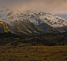 Footstool - Aoraki/Mt Cook National Park New Zealand by fotosic