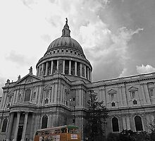 Harrods Routemaster at St Pauls by DavidWHughes