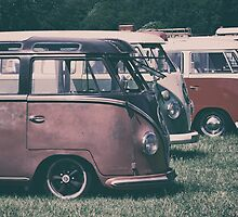 Classic VW Buses  by UKGh0sT