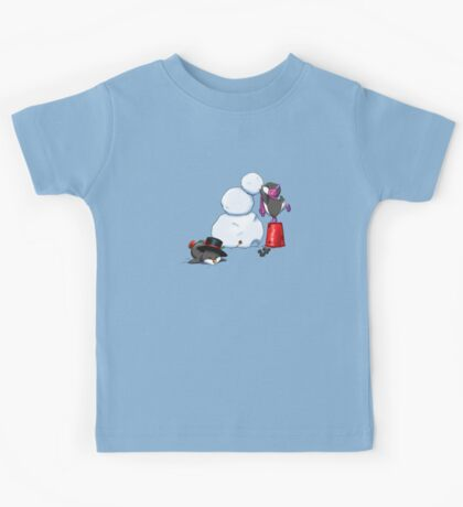 2 penguins, 1 snowman Kids Tee