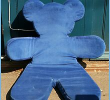 Blue teddy bear by liptonmania