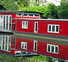 Reflection in Regent Canal by Lesliebc