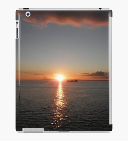 Towards Tasmania, Melbourne, Victoria, Australia. iPad Case/Skin