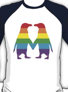 Rainbow penguins in love. T-Shirt