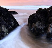 Between the Rocks - Dingle Co. Kerry by Pascal Lee (LIPF)
