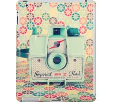 Film Mint Camera on a Colourful Retro Background  iPad Case/Skin