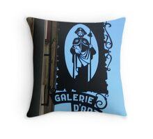 Galerie d'Art Throw Pillow