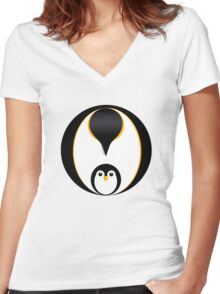 'In Pole Position' - Penguin T-Shirt Women's Fitted V-Neck T-Shirt