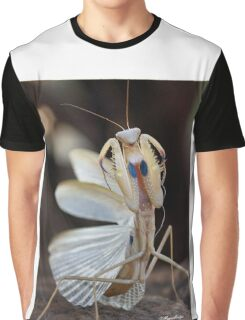 """ELEGANCE"" IN CAPTURE - The praying mantis Graphic T-Shirt"