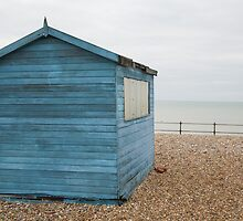 Beach hut at Kingsdown by Ian Middleton