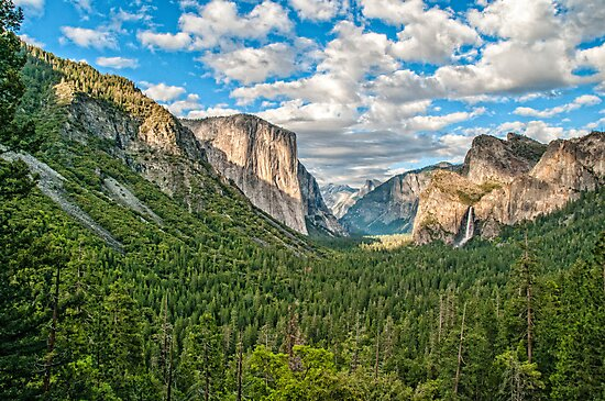****** VALLEY VIEW ****** by RGHunt