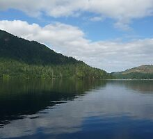 Lake Crescent Washington State by WhiteDiamond
