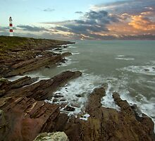 Tarbat Ness Lighthouse by cieniu1
