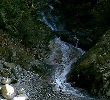 Rocky Waterfall by kendlesixx