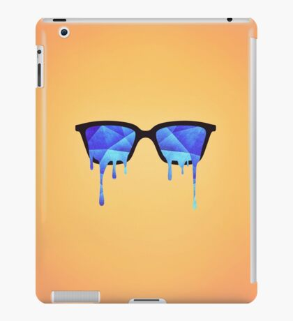 Abstract crystal ice blue triangle (low poly) / Hipster Nerd Glasses iPad Case/Skin