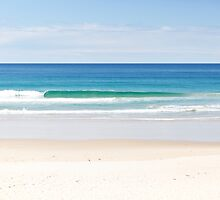 The Ocean makes me happy by Aamie
