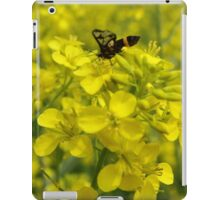 Yellow flower and bee iPad Case/Skin