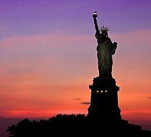 Statue of Liberty NYC by fernblacker