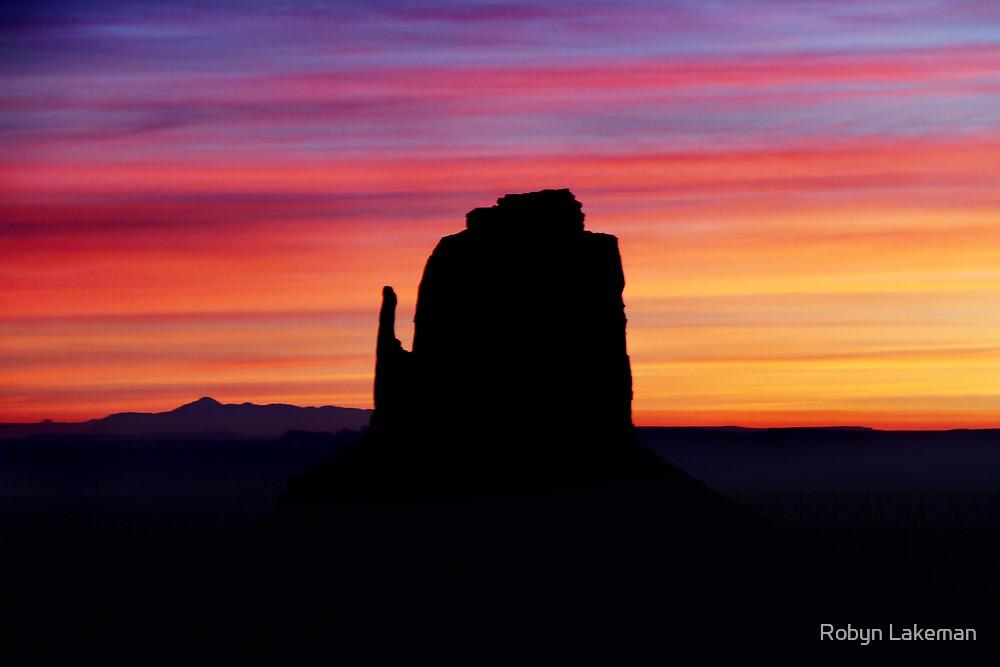 Amazing sunrise by Robyn Lakeman