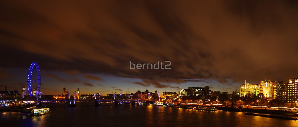 West of Waterloo Bridge by berndt2