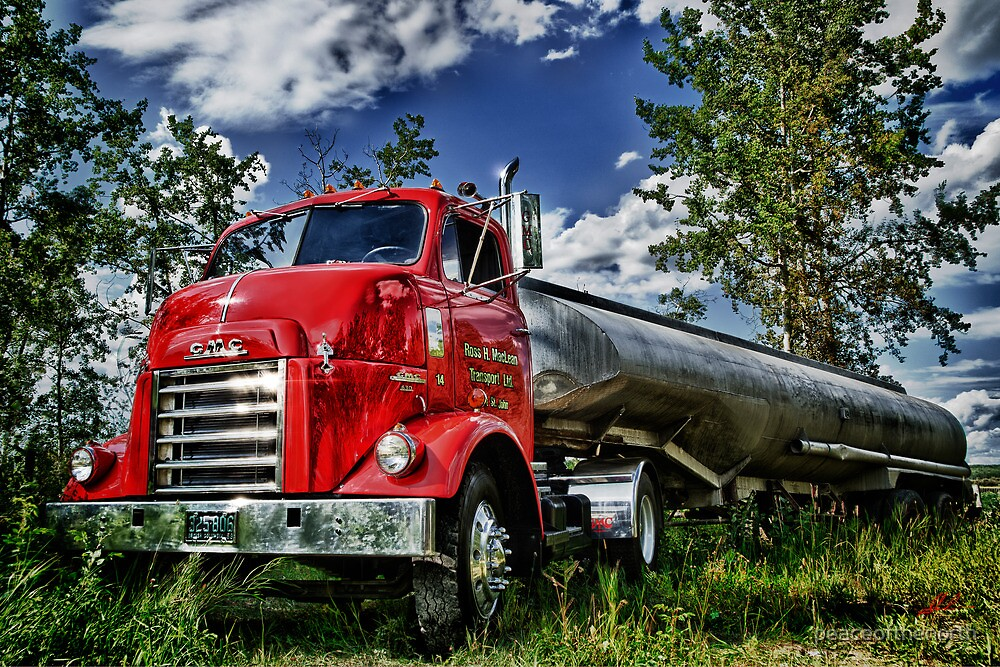 Old Trucks in HDR #2 by peaceofthenorth
